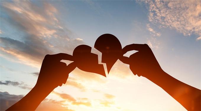 边谈恋爱边收钱 爱情银行赖账被下架,曾排免费社交榜第一