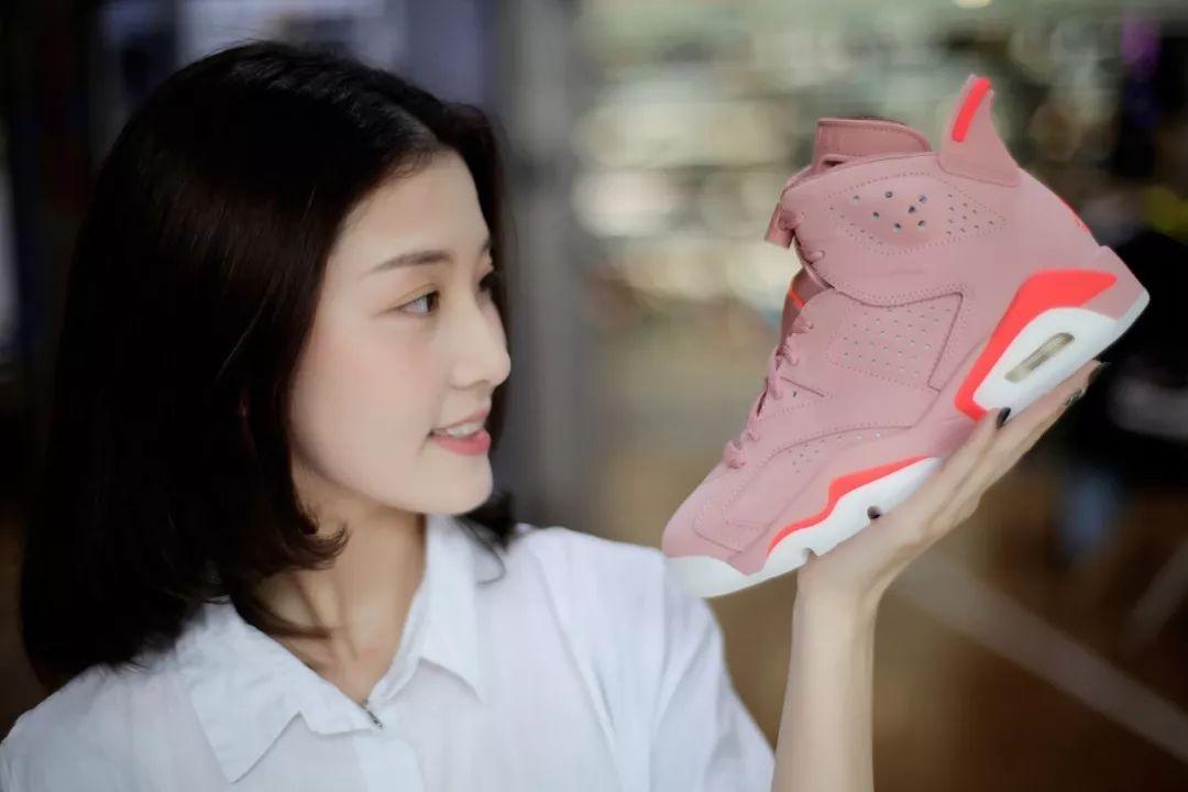 "#XH55 GIRL#「 "" 粉红色的Air Jordan 6谁会谢绝呢? "" ・ 小颖颖 」"