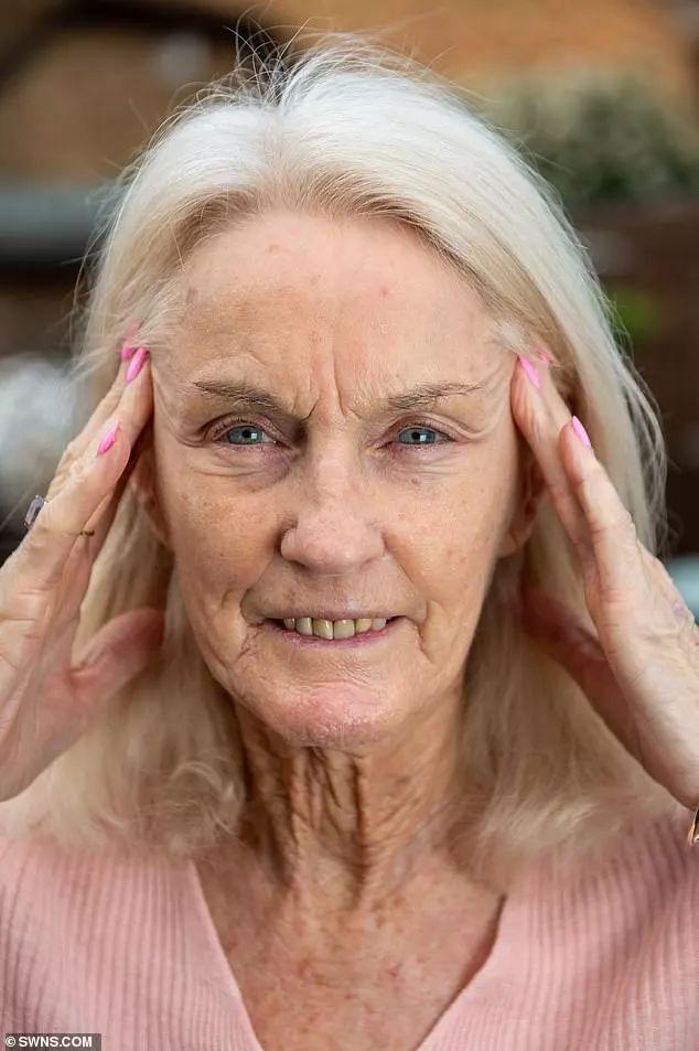 """""""我80歲,醫生說我可能會因為整容而死掉,但我不後悔""""_Toni"""""""