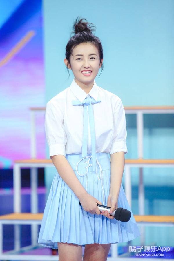 别再喊她红毯杀手了,张子枫瘦到颜值巅峰,新造型超时尚!