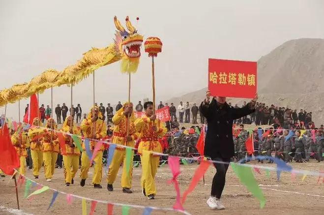 """阿克苏市""""庆祝新中国成立70周年 同心共筑中国梦""""农民"""