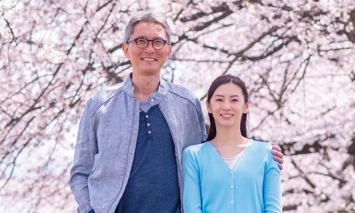 松重丰首次主演电影 与北川景子演绎老夫少妻苦治不孕