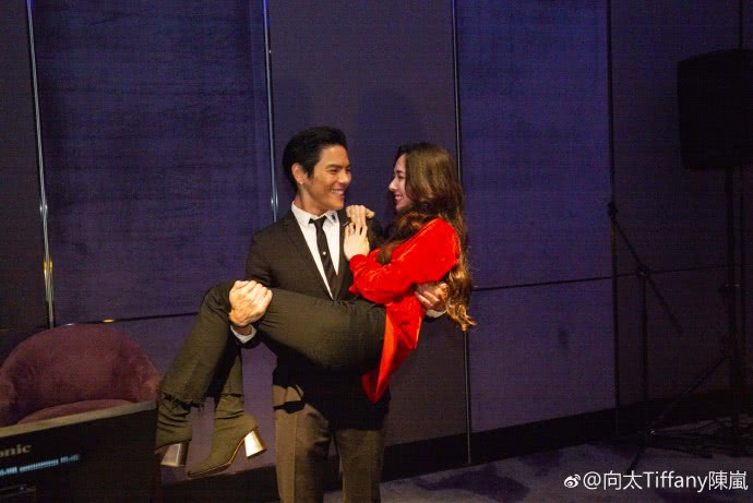 向太亲证儿子向佐向郭碧婷求婚成功,并期待两人尽快完婚