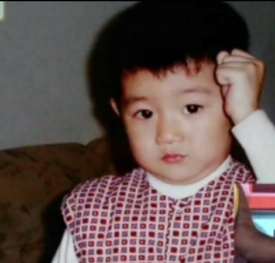 艺人童年照大曝光,刘昊然也曾是胖子胡歌大长腿王嘉尔逗比