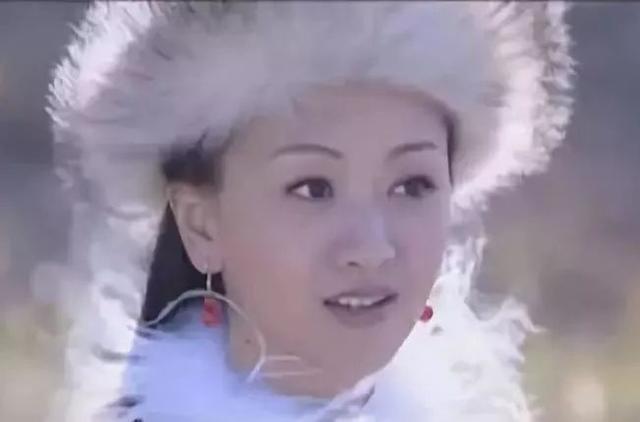 古装剧戴白色毛绒帽的女星,杨雪清纯,董洁恬静,林依晨可爱