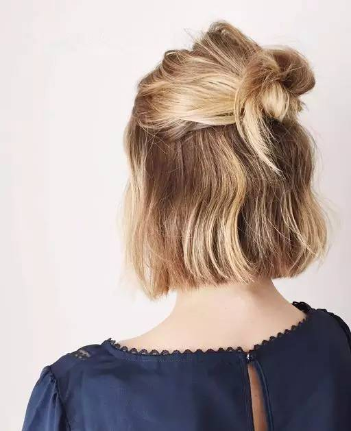 短发越来越流行,走在大街上,一眼望去全是短发