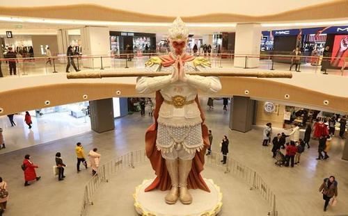 """网红美猴王护法火了!8米高的雕塑不叫悟空新名字是""""勿空"""" 行业新闻 丰雄广告第3张"""