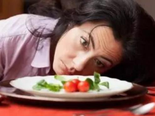 得了夜间进食综合征,如何有效减体重?