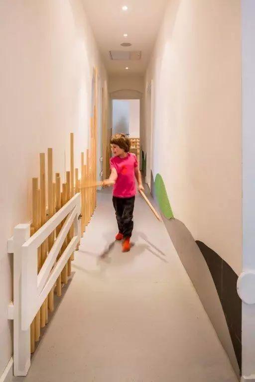 德国柏林森林系幼儿园装修布置设计图片