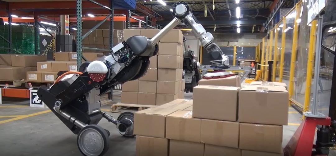 波士顿动力发布最新物流机器人Handle:头顶吸盘