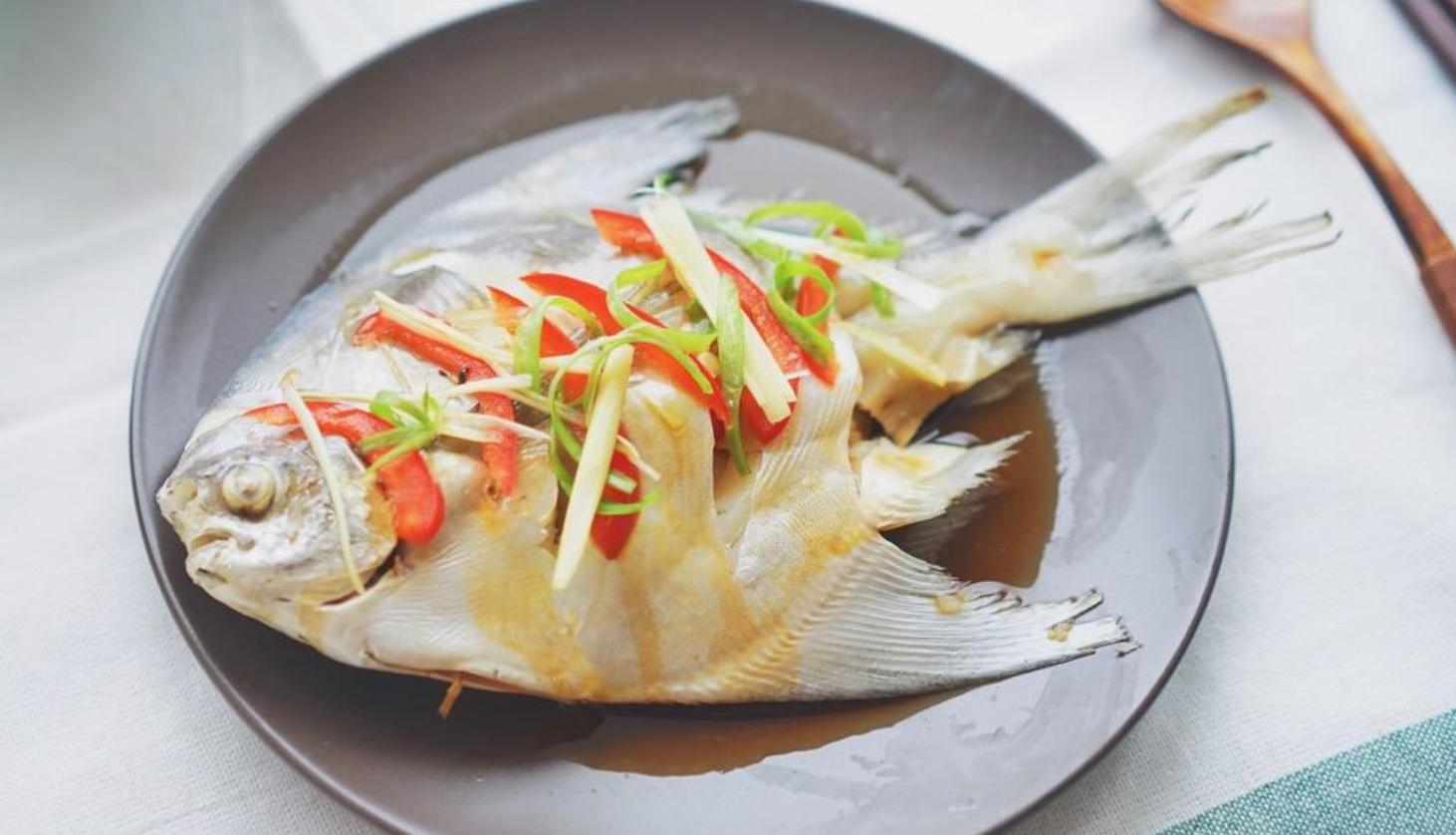 爱吃鱼的一定要收藏,教你鲳鱼的5种特色做法,好吃极了
