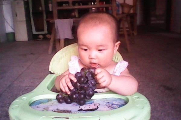 小孩发烧能吃水果_都说吃水果好,那3岁内的宝宝怎么吃水果?哪些不能吃?_孩子