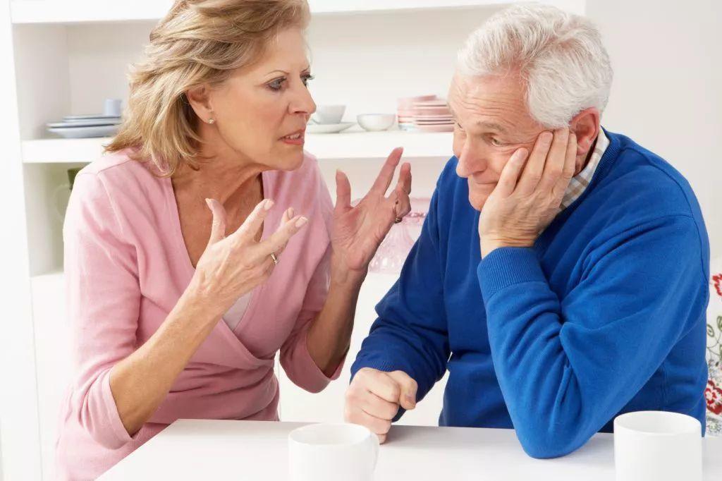 老人口干是怎么回事_免疫力是健康的基石,简单4招,唤醒免疫力,秋冬少生病 人