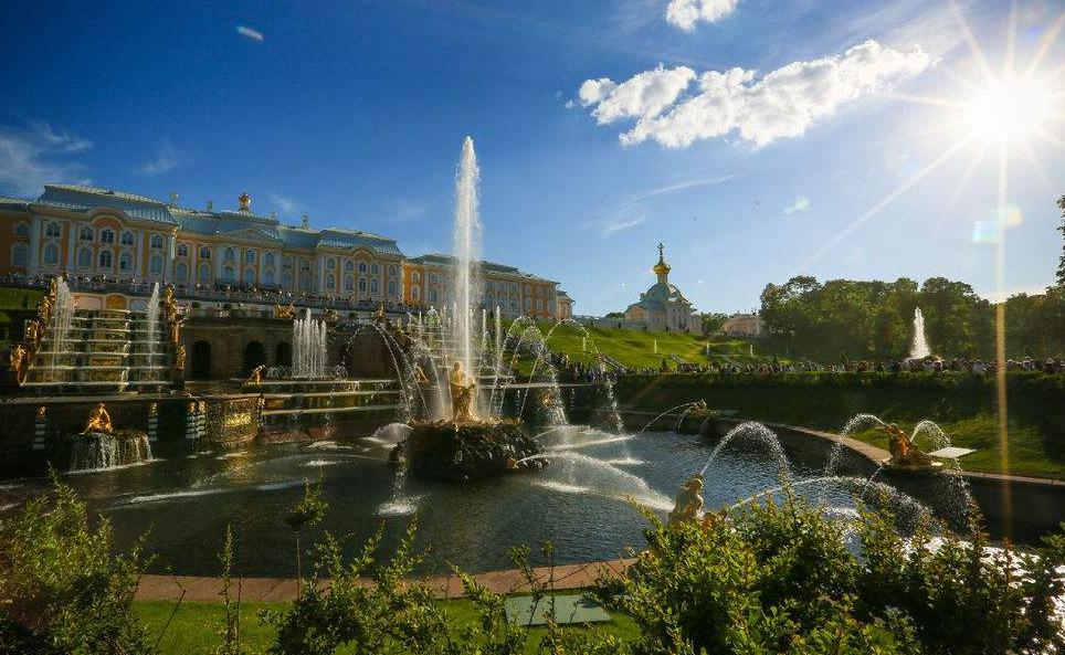 莫斯科经济总量_莫斯科大学