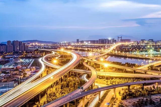 流动人口与城市发展_人口向城市群流动