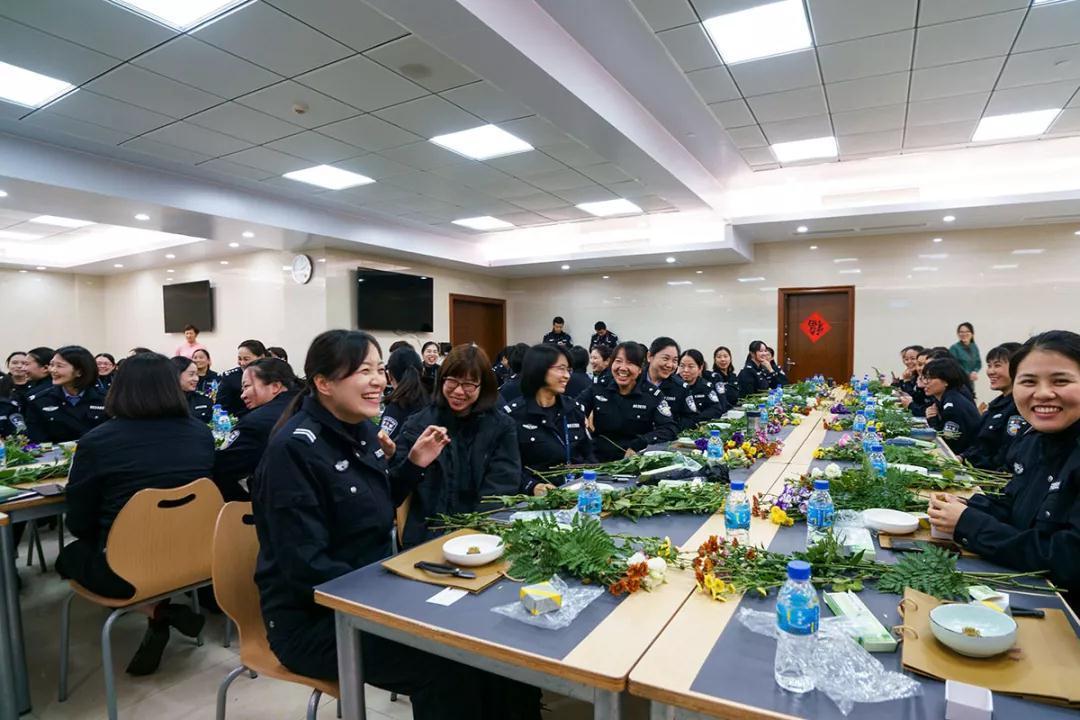 女神月 致敬广东机场公安女警(图24)