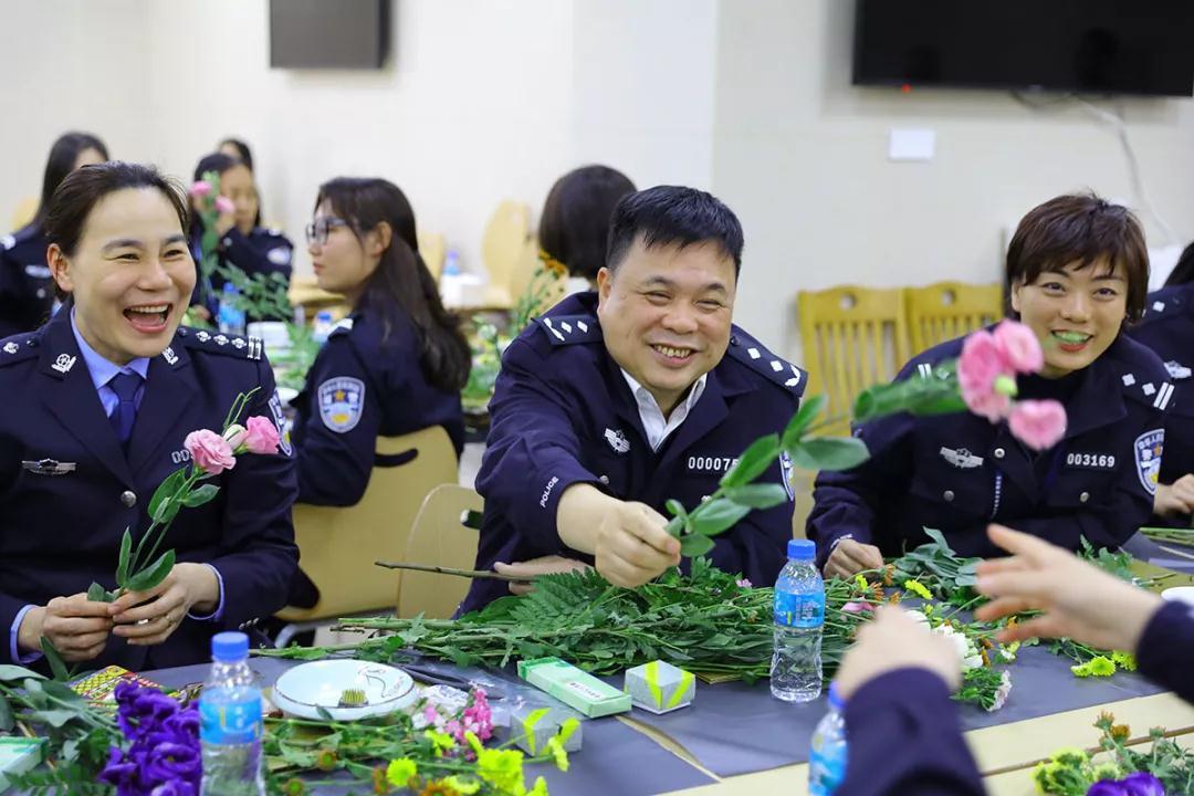 女神月 致敬广东机场公安女警(图26)