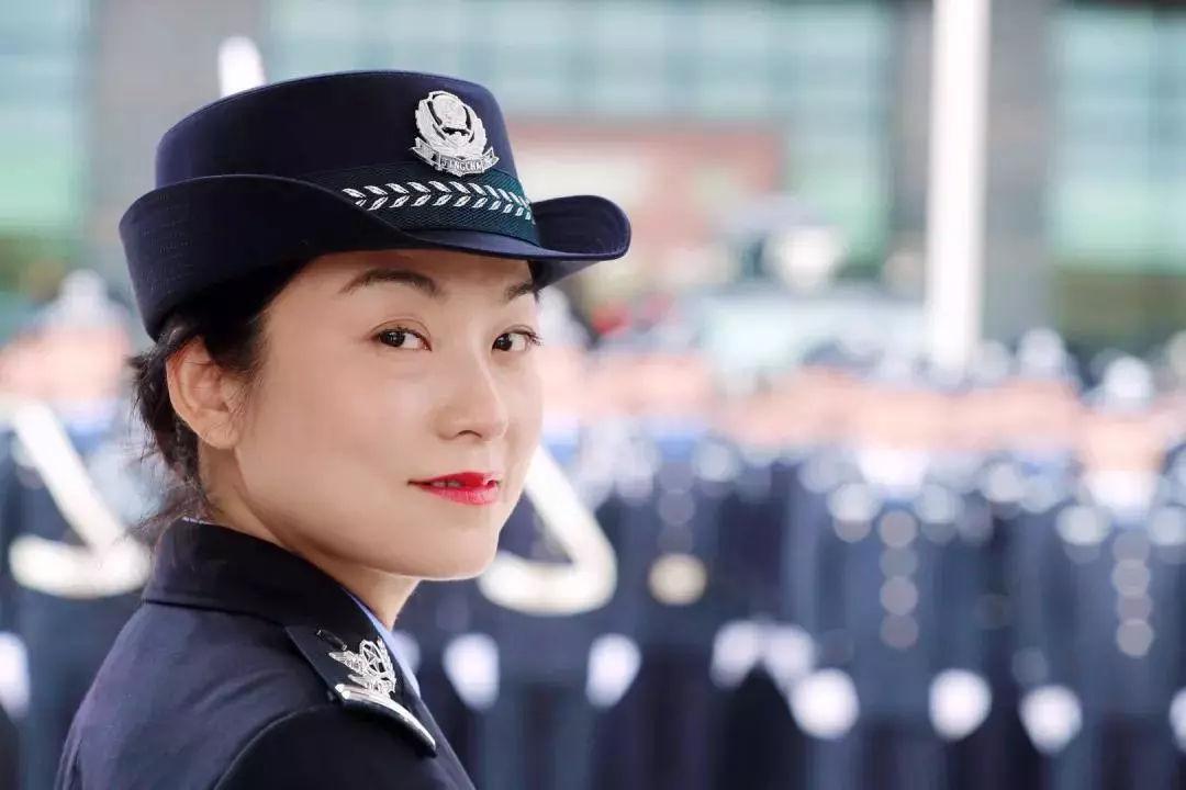 女神月 致敬广东机场公安女警(图36)