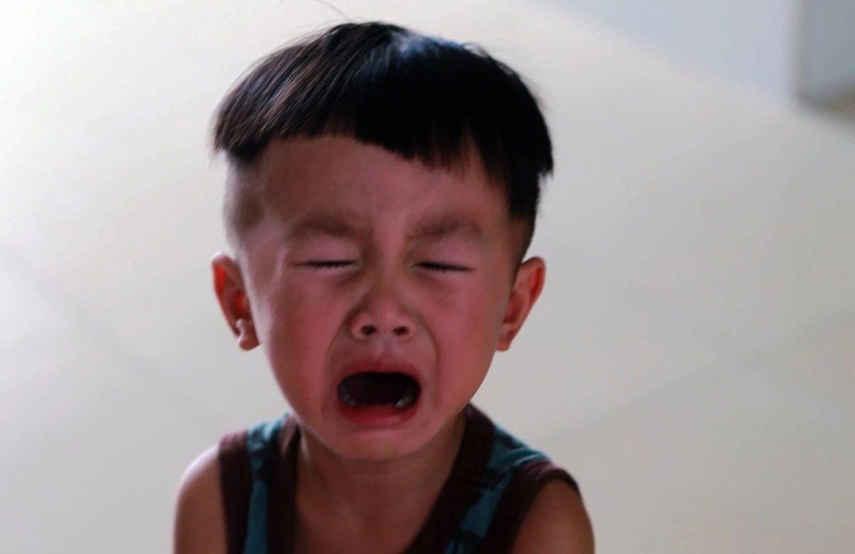 小品笑比哭好_孩子爱哭没有大不了的,比孩子笑更重要的是允许孩子哭_情绪