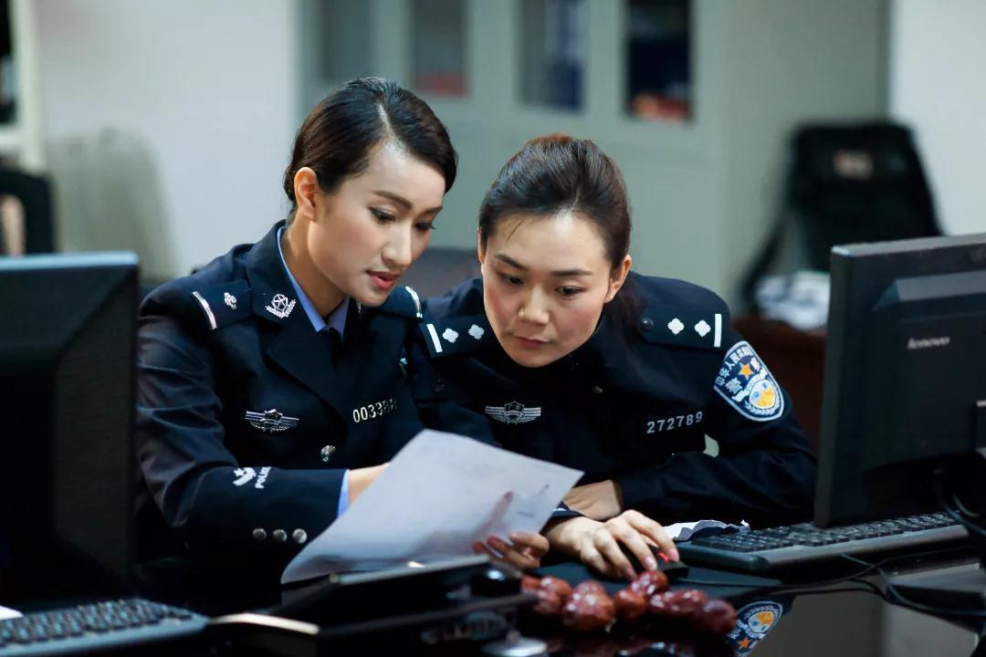 女神月 致敬广东机场公安女警(图11)