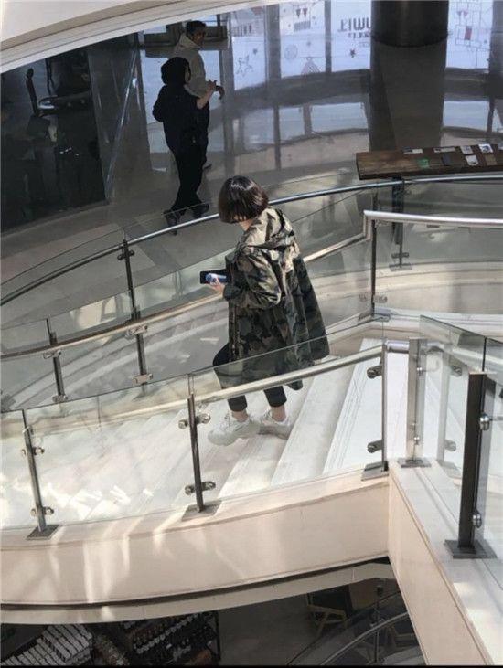 王菲谢霆锋再次同框现身令粉丝惊喜,原来二人依旧恩爱!