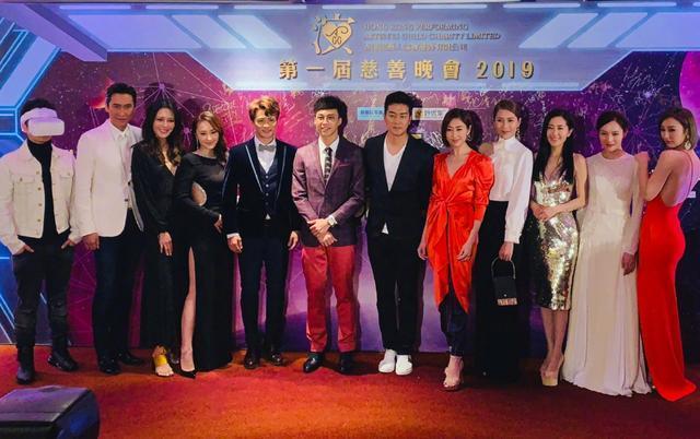 香港演艺人慈善晚宴无PS图:港星们状态良好,比实际年龄年轻10岁