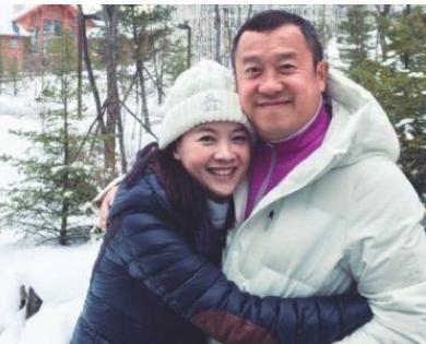 曾志伟的女儿46岁仍没有人敢娶,你知道为什么吗?
