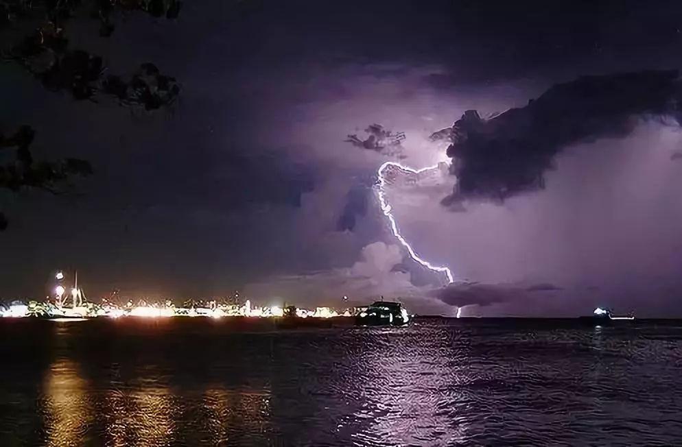 美轮美奂的雨中摄影佳作图片