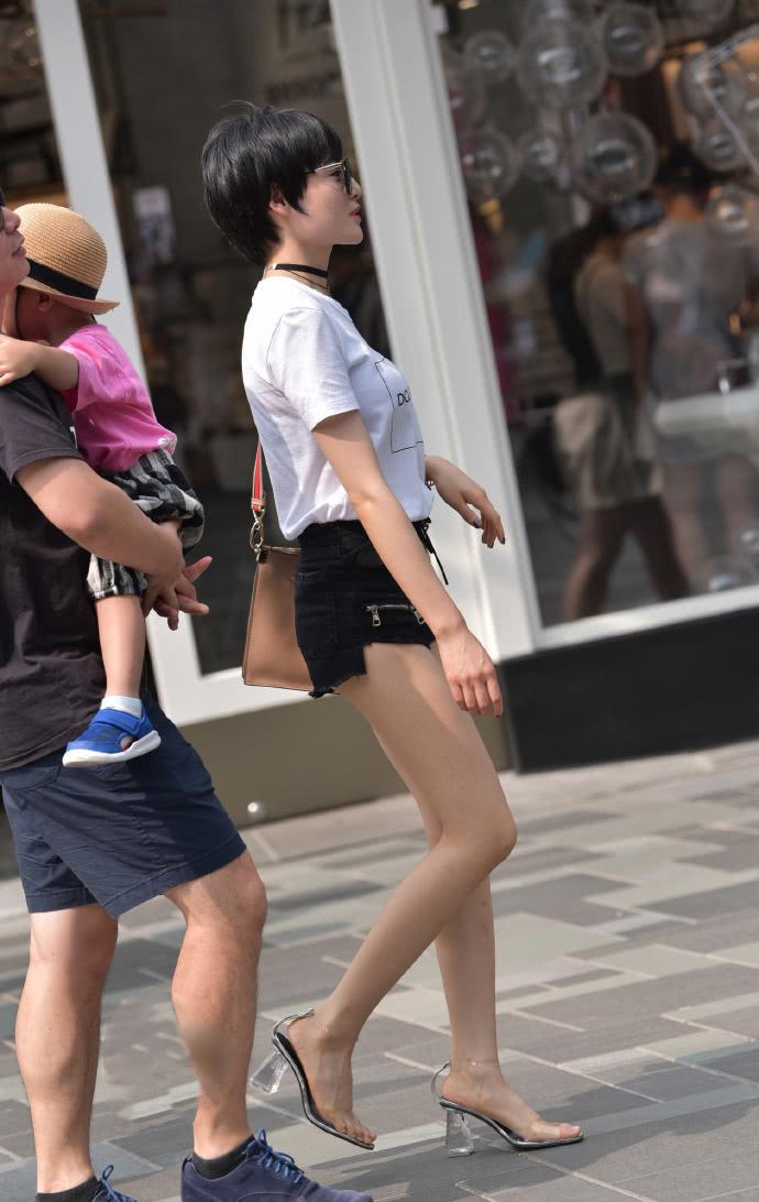 短发女人味图片带墨镜