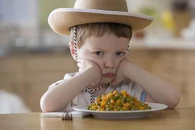 别再逼孩子吃饭了!掌握这10大方法,孩子好好吃饭不再难