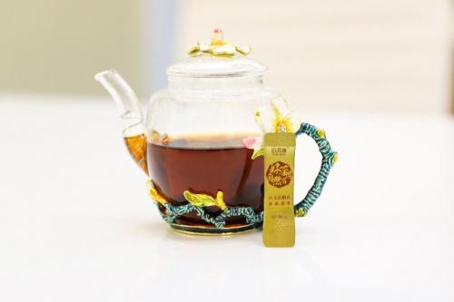 喝进去的是茶喝出来的是健康!——鑫玺泊洱道铁皮石斛花普洱茶萃
