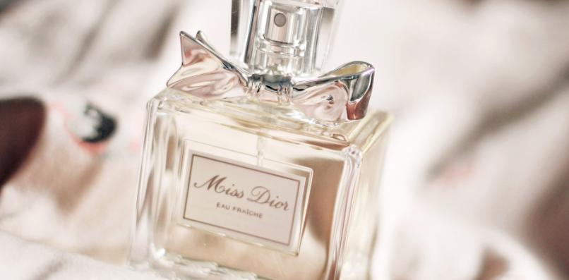 香水的使用 如何让香水留香时间长
