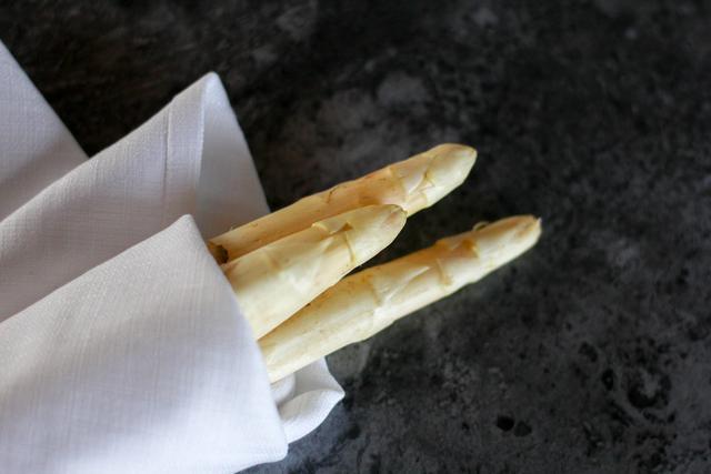 花1288在青岛海边超五星级酒店吃白芦笋法餐,6道菜,你觉得贵吗