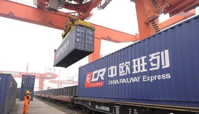 """中欧班列为欧亚大陆打通国际贸易""""大动脉"""""""