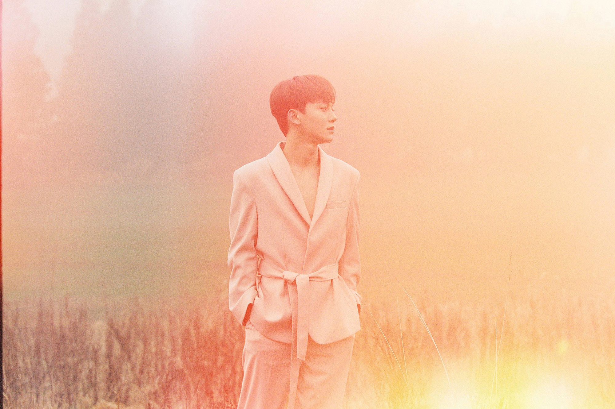"EXO成员金钟大个人专辑夺32个地区冠军,不愧是 ""行走的CD机"""