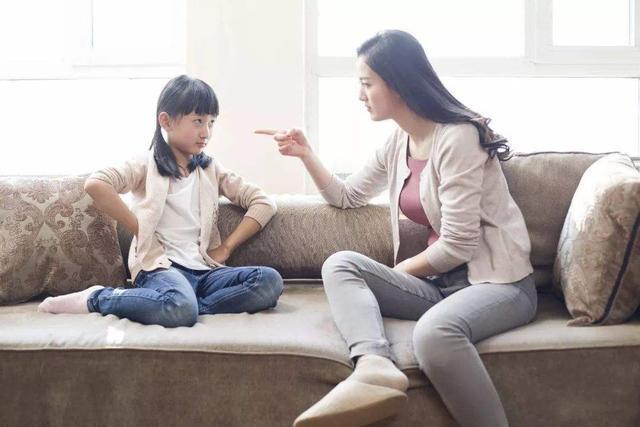 孩子有没有被父母吼过,10年后很容易被看出来,差别很大
