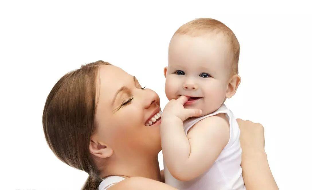 <b>降低宝宝免疫力的4大行为,很多爸妈都喜欢这样做!</b>