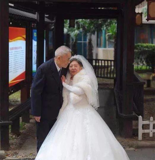 96岁爷爷爱上85岁奶奶,他做了一个决定…