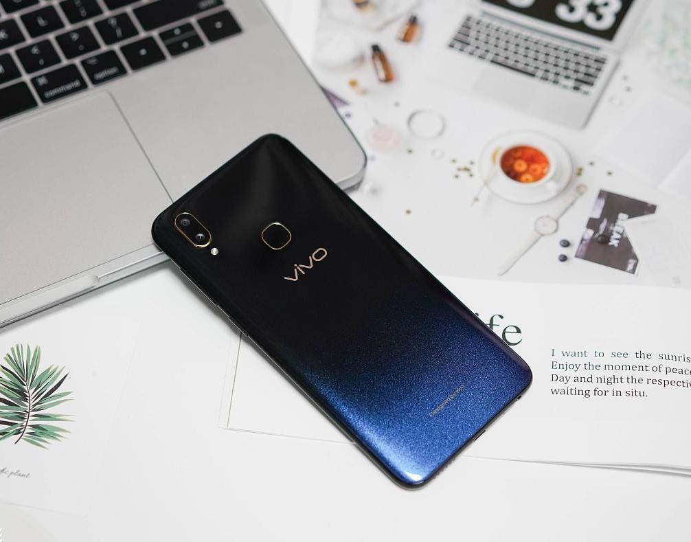 千元价位手机混战,超高性能的千元小钢炮vivo Z3脱颖而出!