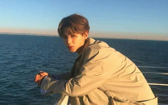 3位17岁帅气少年,黄明昊马嘉祺丁程鑫,谁是无法超越的小男神?
