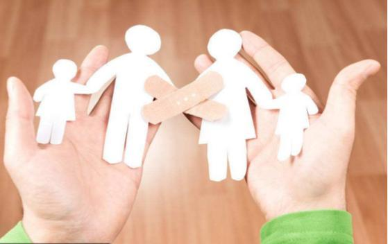 这年头想生三胎的都是啥样的家庭?可能有三种,很现实