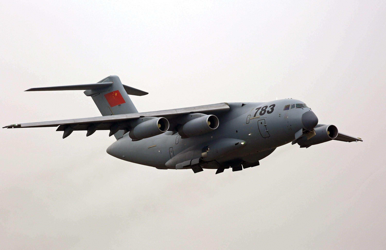 中国空军好消息,大型运输机正式量产,迈向攻防兼备战略空军行列