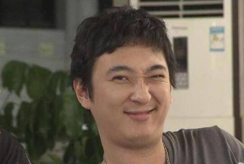 """刘强东""""炫富""""晒飞机, 一架4亿独揽空中美景, 网友: 马云都没这么张扬"""
