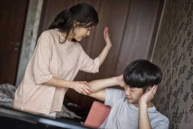 7岁儿子:你敢再打我,我找奶奶去,让她收拾你,看谁厉害!
