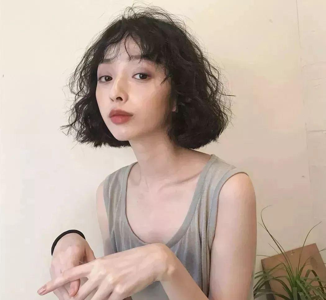 最新女生玉米烫发型 魅力卷发领衔_好发型手机站