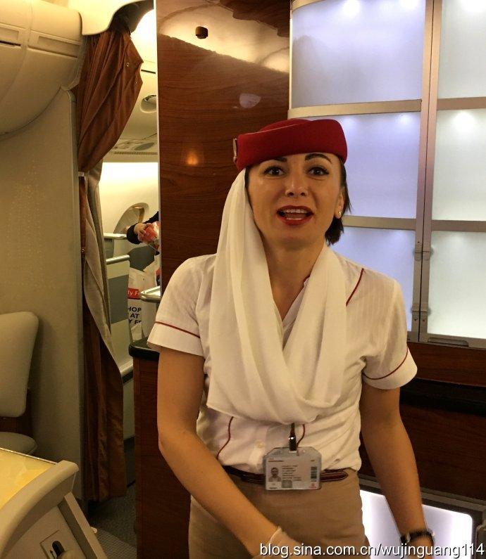 美若天仙的空姐下载_实拍:阿联酋空姐个个美若天仙(多图)_飞机