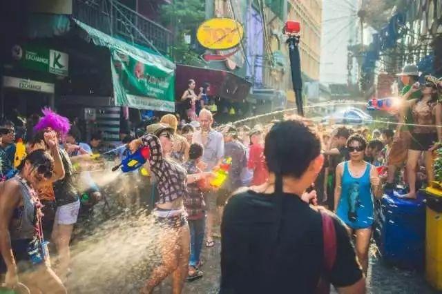 约战泼水节、狂欢清迈城