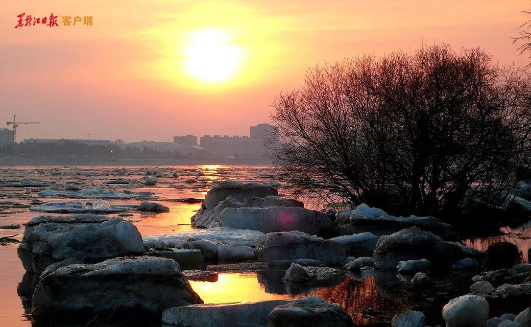 庆祝新中国成立70年丨《我为祖国读首诗》邀你献诗