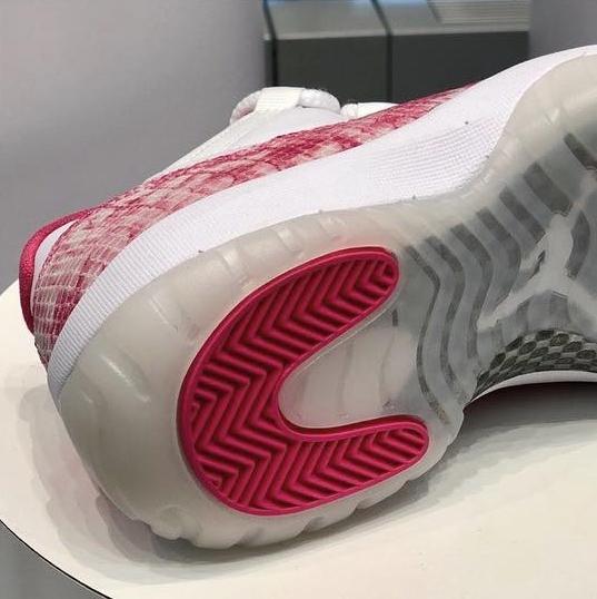 《只限女孩! 红色蛇皮Air Jordan 11 Low将于5月上市销售!》