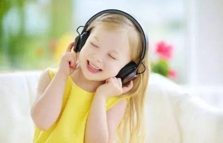 <b>墙内看花 | 今天的少年儿童应该唱什么歌</b>
